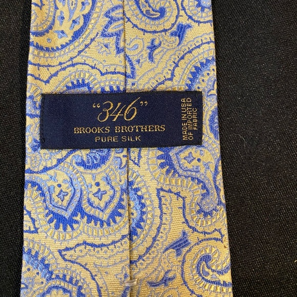 Brooks Brothers Other - Blue & Yellow Brooks Brothers Tie